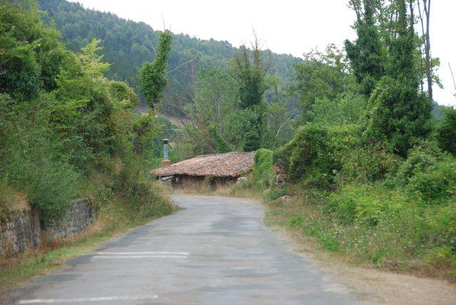 Una casa a pie de carretera