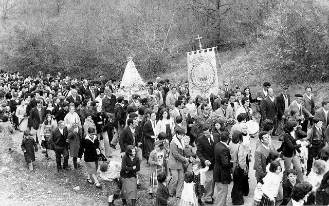 Procesión en Grañón en 1977