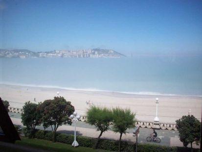 Agosto en La Coruña: playa, sol y niebla