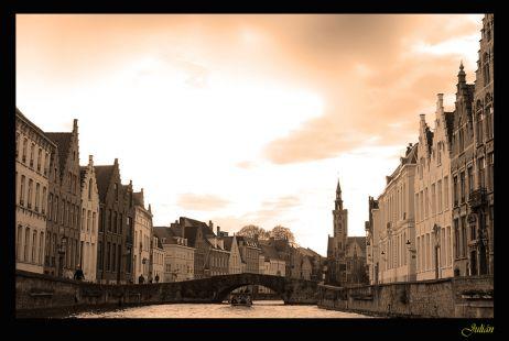Canal en Brujas, Belgica