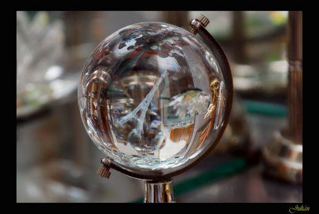 Reflejos entre cristales