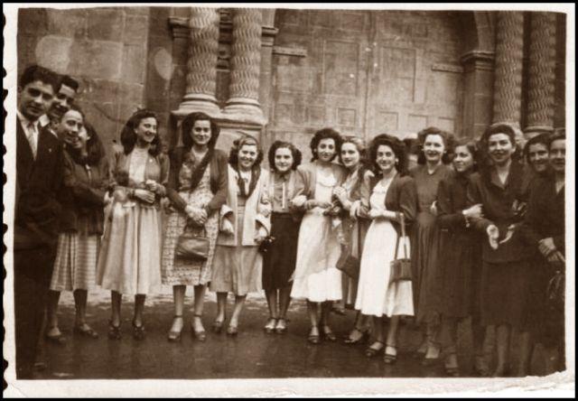 salida de misa 1948