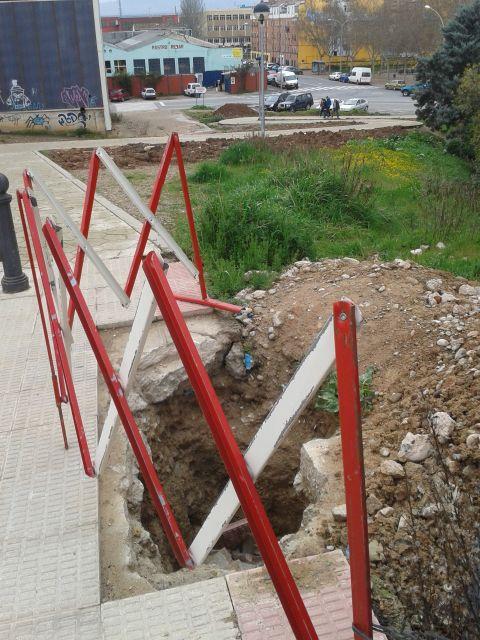 Un agujero cerca del colegio de Yagüe