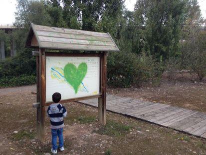 Cartel pintado en el Parque del Iregua