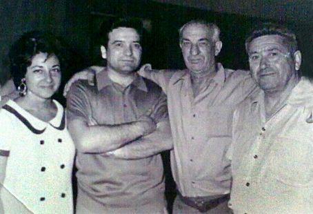 El médico de Arenzana, con unos amigos