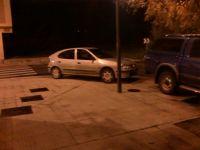 ¿ Aque no saben pro que aparca todas las noches aqui?