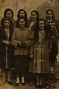 Un grupo de amigas en Pradejón    en 1958