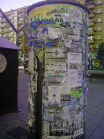 Columna para publicidad, sin uso  en la Gran Vía