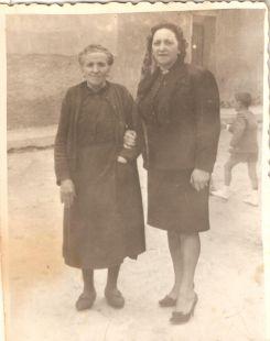 De paseo por Aguilar a finales de los años cincuenta