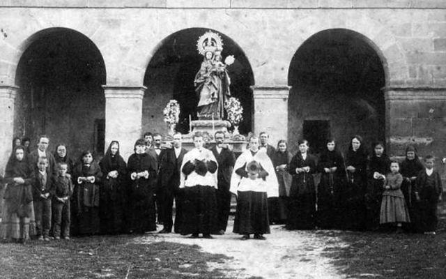 Procesión en Pedroso a finales del XIX