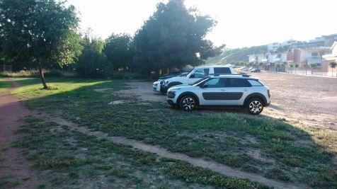 Los coches se comen el Parque
